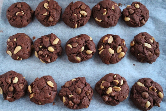 Chocolate Peanut Cookies 4