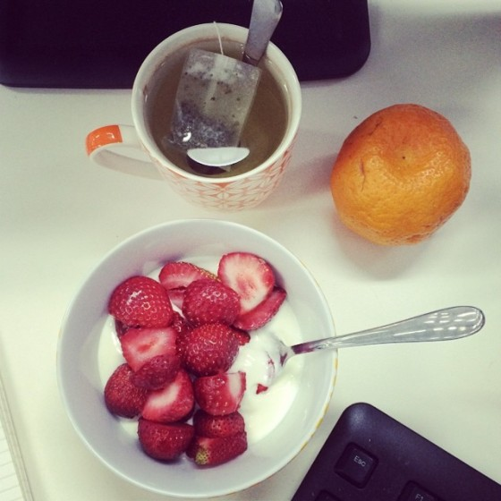 desk breakfast