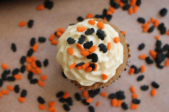 Pumpkin Cupcakes with Spiced Cream Cheese Frosting | Gluten Free | Thoroughly Nourished Life