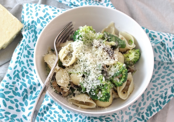 Creamy Mustard, Mushroom, and Broccoli Pasta | Gluten Free | Vegetarian | Thoroughly Nourished Life