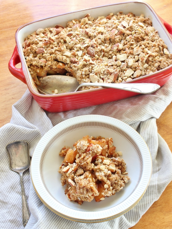 apple, pear and almond crumble | gluten free | thoroughly