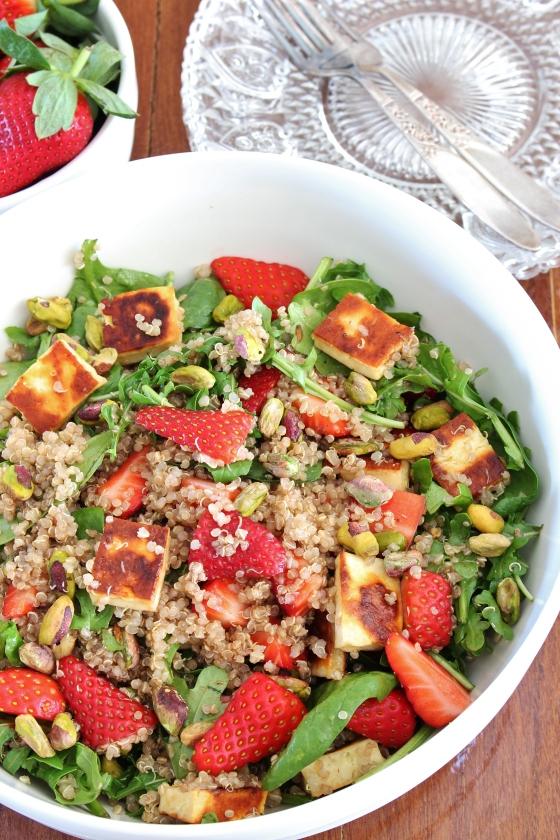 Strawberry, Haloumi, and Quinoa Salad | Vegetarian | Gluten Free | Thoroughly Nourished Life | www.thoroughlynourishedlife.com