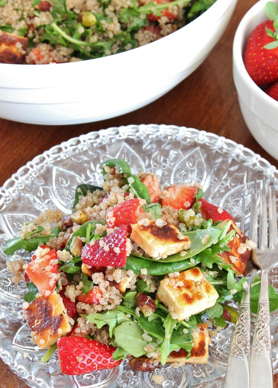 Strawberry, Haloumi, and Quinoa Salad | Vegetarian | Gluten Free | Thoroughly Nourished Life | www.thoroughlynourishedlife.com